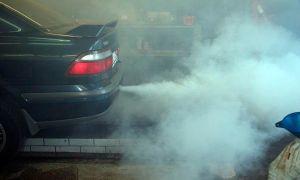 Почему двигатель ест масло: основные причины