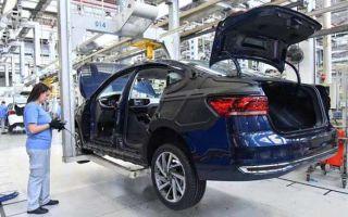 Volkswagen приостанавливает производство в России