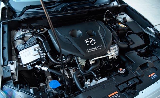 Дизельный двигатель автомобиля Mazda.