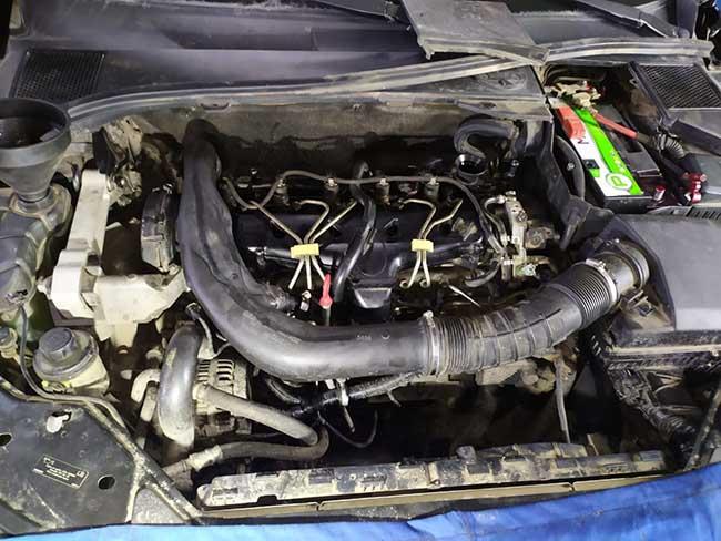 моторный отсек Volvo XC70